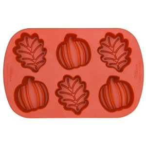 Wilton oak leaf and pumpkin silicone mini-mold for butter and chocolate