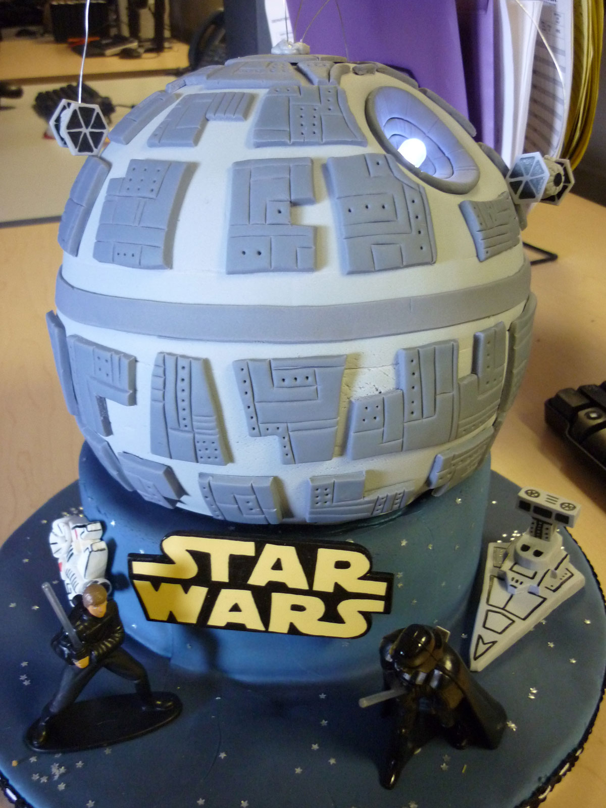 Foodista The Death Star Cake Is A Stellar Quot Star Wars