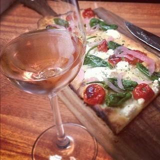 padron pepper vegetarian pizza italian rosé
