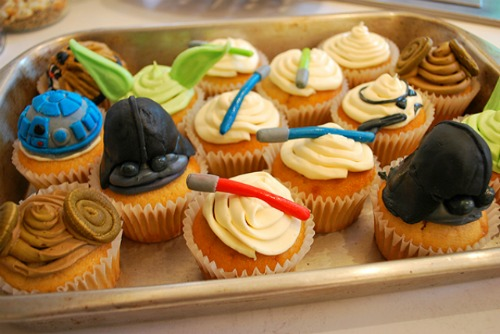 Foodista 5 Delectable Star Wars Desserts