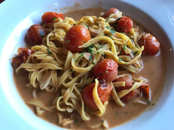 Fromage-Tomato Linguine