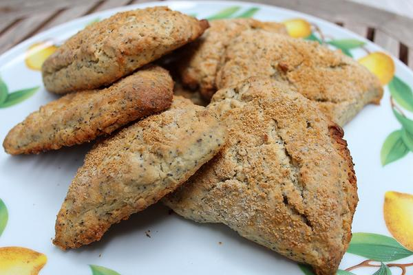 Foodista | Baking with Kids: Lemon Poppy Seed Scones
