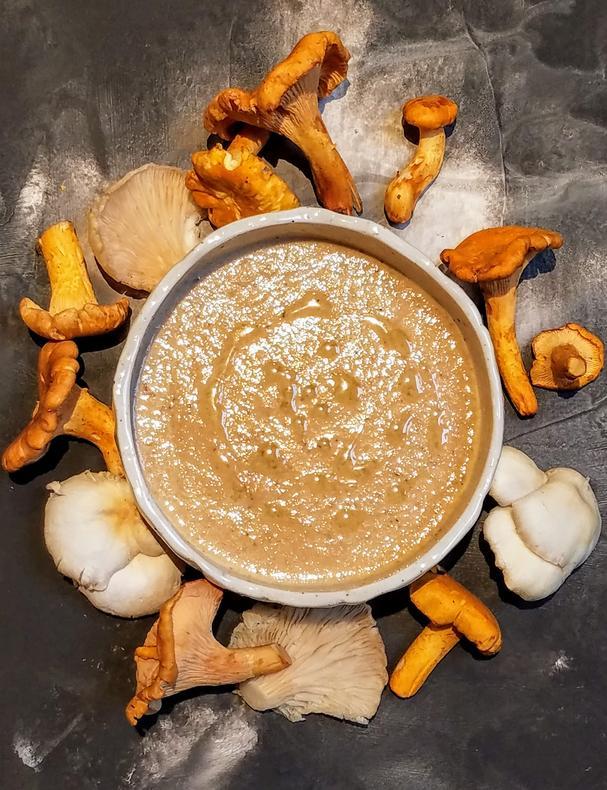 Easy Cream of Mushroom Soup (gluten-free, keto, paleo)