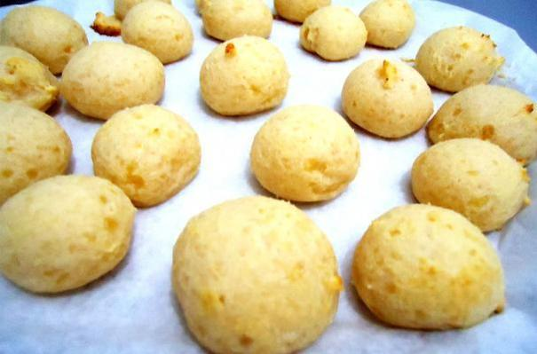 Easy Brazilian Cheese Puffs (Pao de Queijo)
