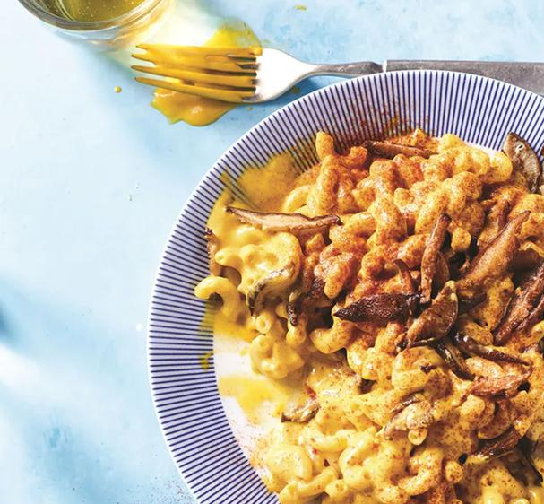 Vegan mac and cheese with smoky shiitake bacon