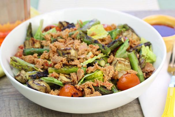 Canned Tuna Recipes Choose a slide Browse our collection of 23 canned tuna recipes to find lunch and dinner ideas for the whole family, including salads, pasta dishes, sandwiches, casseroles, and more.