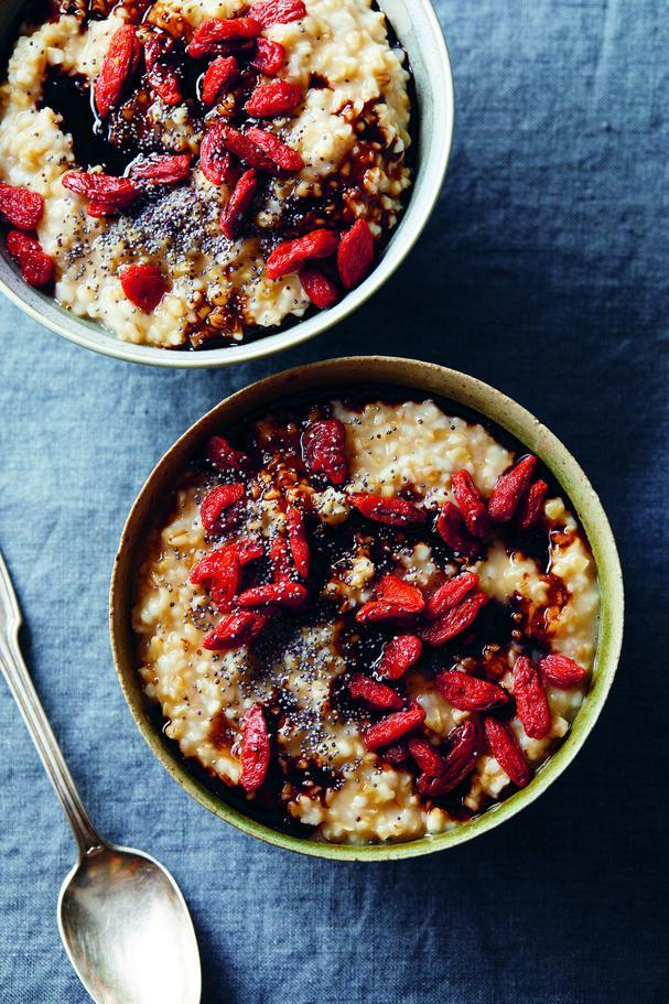 Balsamic Goji Berry Oats