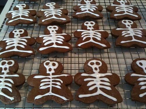 gingerbread skeleton men cookies