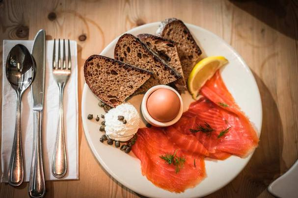 omelet and lox