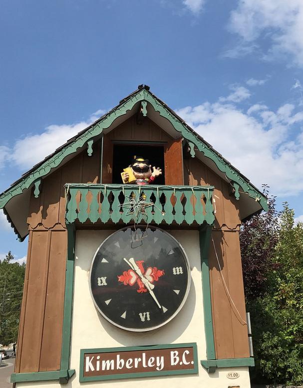 Happy Hans, Canada's Largest cuckoo clock