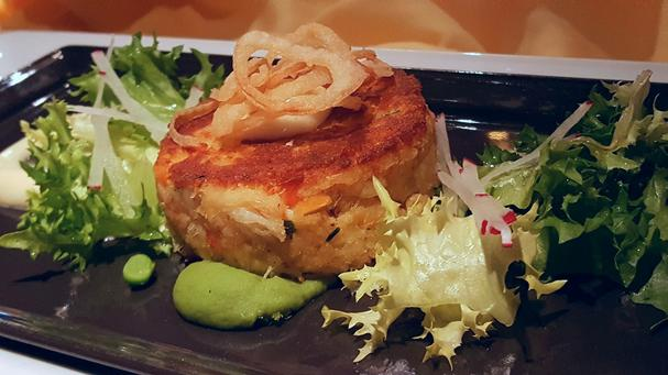 Jumbo Lump Crabcake with a Roasted Garlic Remoulade