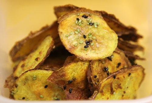 Yellow, Green and Black Super Bowl Potato Chips