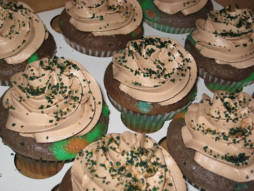 Foodista 5 Army Cupcakes to Celebrate the 236th Army Birthday