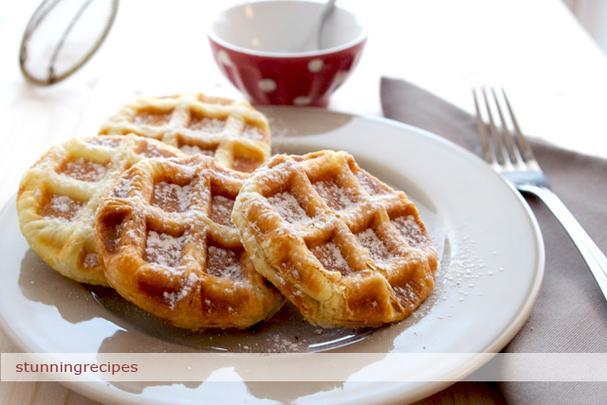 Fruit Jam stuffed Puff pastry waffles