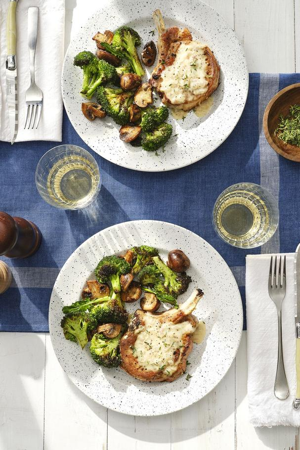 Smothered Pork chops with broccoli and Mushrooms