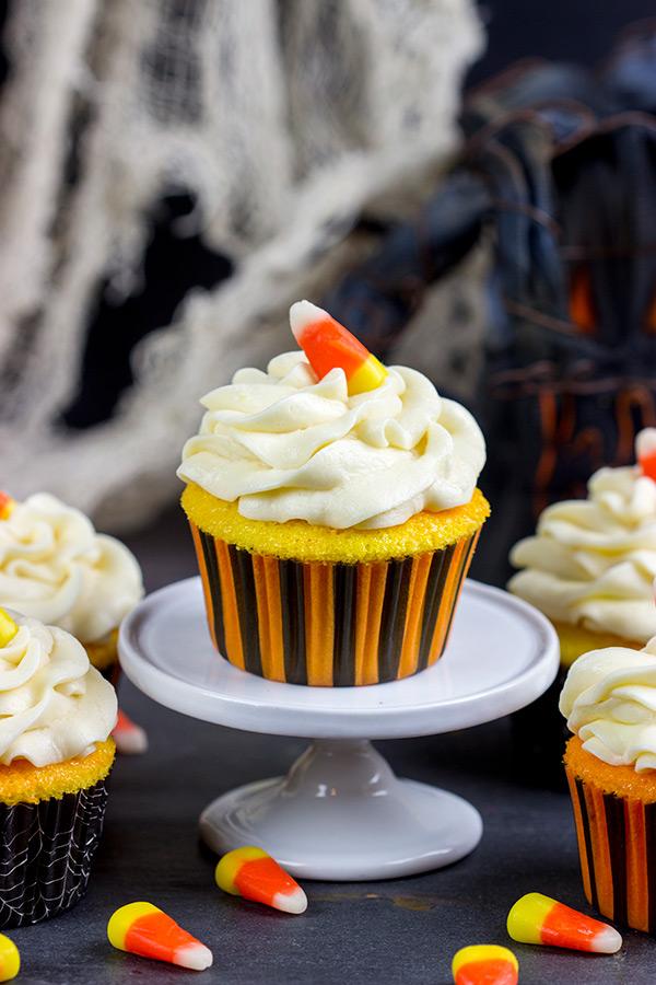 vanilla halloween cupcakes