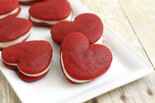How to Make Red Velvet Whoopie Pie Hearts via gk-howto-videos.blogspot.com valentines day recipes