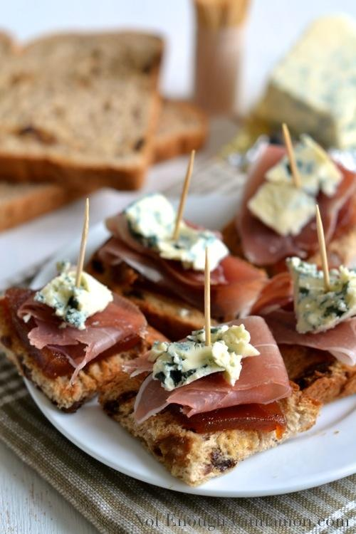 Foodista 5 easy and elegant canapes to serve for new for Classy cuisine canape maker