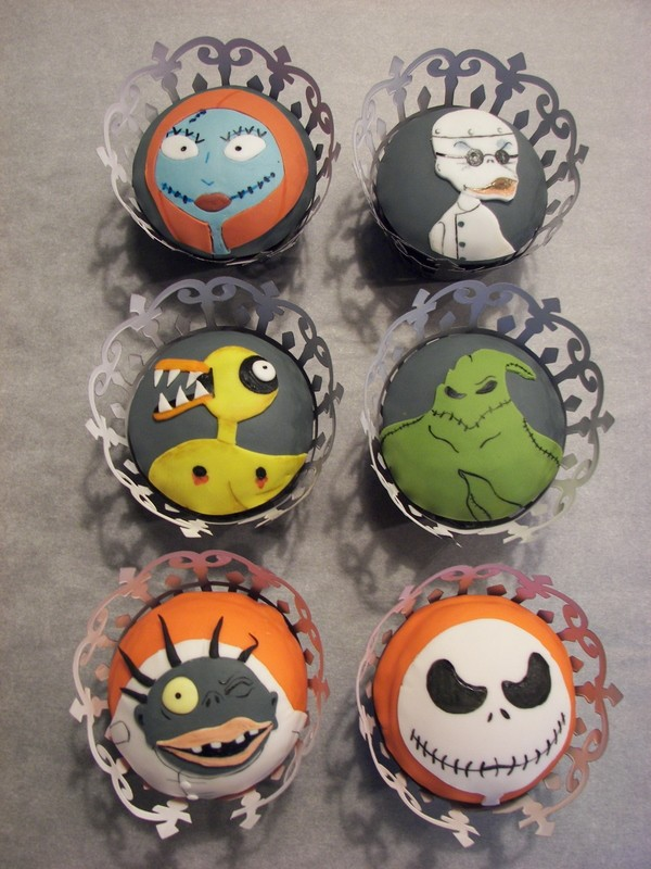 The advantage of the Nightmare Before Christmas cupcake toppers over ...