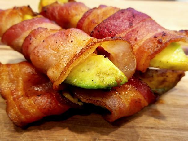 Bacon-wrapped Avocado Slices
