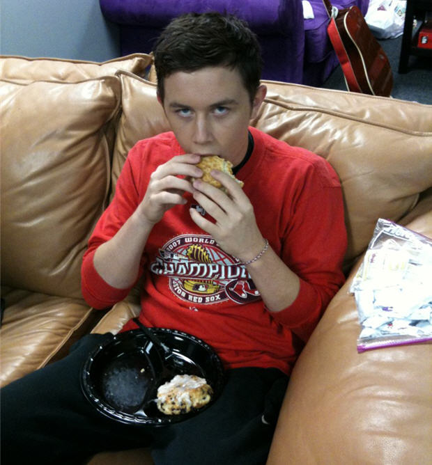Scotty McCreery with Cajun Filet