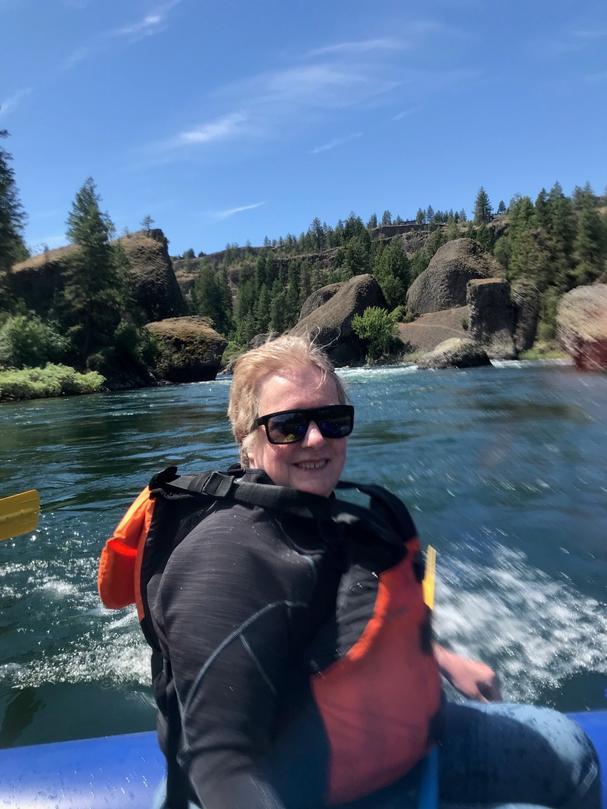 Elizabeth Fagin rafting